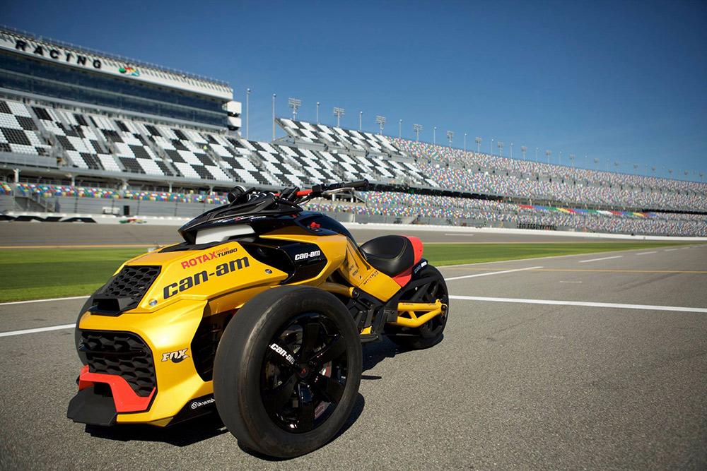 Марка Can-Am официально представляет эксклюзивную концептуальную модель Spyder F3 Turbo гоночного типа на международном автодроме «Daytona International Speedway»