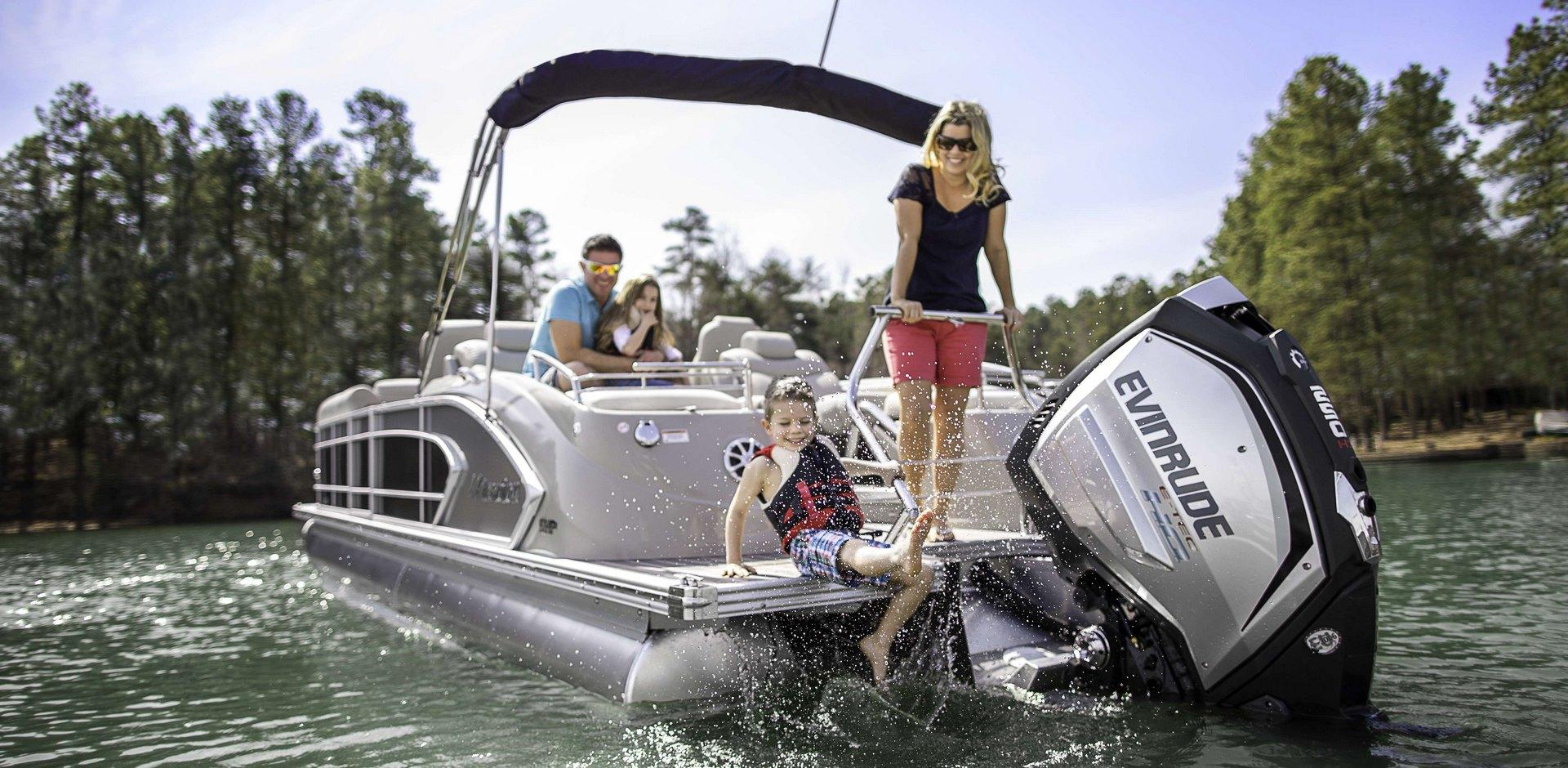 Компания BRP приобретает компанию-производителя понтонных лодок бренда  «Manitou»!